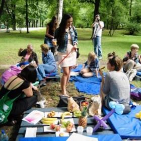 z12408058Q,Sniadanie-Na-Trawie-w-parku-Tysiaclecia-w-Zielonej
